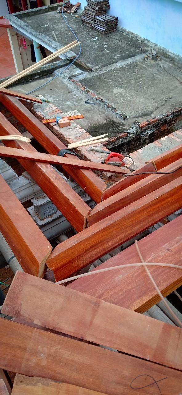 Xây dựng công trình nhà gỗ 4 gian